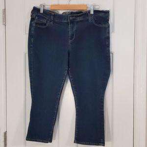 """Old Navy """" The Flirt"""" sz 14 Capri Jeans"""